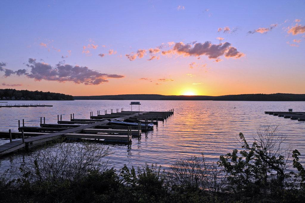 Pesona Musim Gugur Di Lake Wallenpaupack